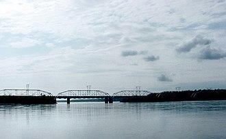 Knik River - Railroad bridge on Knik River, from the Glenn Highway