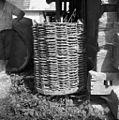 Koš iz kostanjevega protja od preše na kamen (v koš so nasuli šoder in debelo kamenje), Malence 1956.jpg