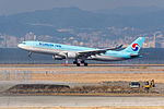 Korean Air, A330-300, HL7550 (24393129310).jpg