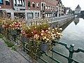 Kortrijk bloemen op brug 2.jpg