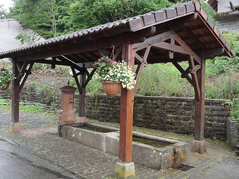 Lachapelle (M-et-M) fontaine couverte