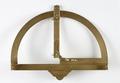 Lantmätarhalvcirkel av förgylld mässing för horisontell och vertikal vinkelmätning,1600-1675 - Skoklosters slott - 92880.tif