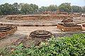 Le Dharmarājika Stūpa (Sârnâth) (8473853713).jpg