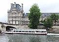 Les bateaux sur la Seine au pont Royal à Paris, 2011.jpg