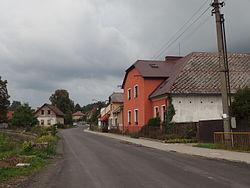 Lhota u Vsetína, ulice.JPG
