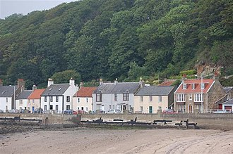 Limekilns - Houses along the shore at Limekilns