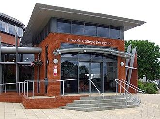 Lincoln College, Lincolnshire - Reception entrance