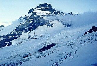 Little Tahoma Peak - Image: Little Tahoma Peak and Emmons Glacier