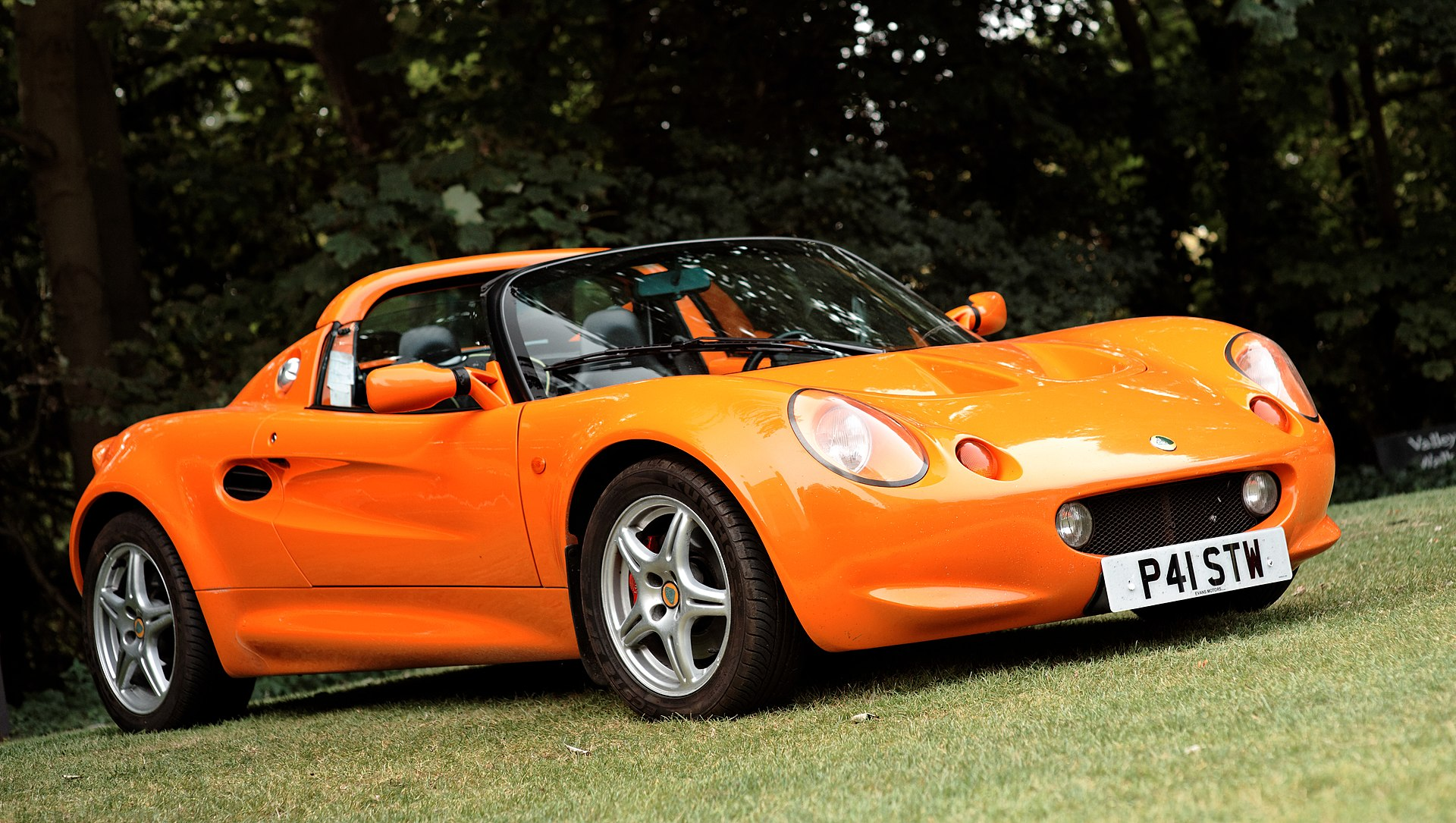 Lotus Elise S1 20th Anniversary 1995-2015 1920px-Lotus_Elise_Series_1