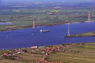 Electricity sector in Germany - Elbe Crossing 1 (center) and 2 (right, one mast only)