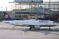 Lufthansa Airbus A320-211; D-AIPL@FRA;10.10.1995 (6083571489).jpg