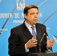 Luis Planas.jpg