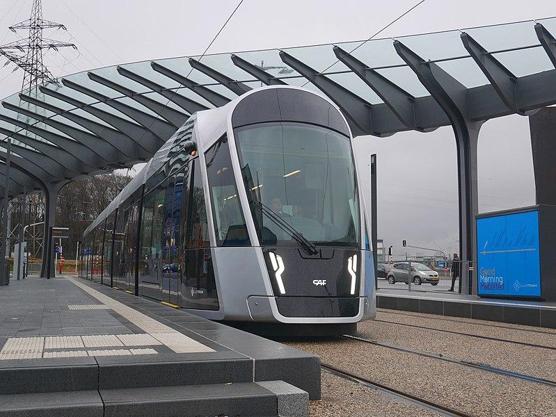 Como andar de tram em Luxemburgo