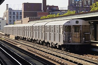 J/Z (New York City Subway service) - Image: MTA NYC Subway J train leaving Lorimer St