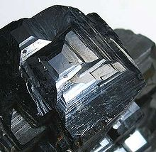 Magnetite - Wikipedia, the free encyclopedia