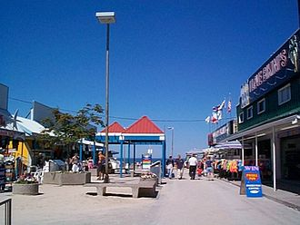 Wasaga Beach - Main Street Mall as it appeared in August 2000. Fire destroyed most of the buildings in November 2007.
