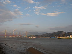 Qingzhou Bridge spans the Min River, connecting Mawei District with Changle City