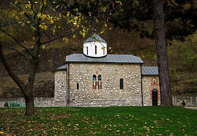Manastir Vaznesenje, jesen 09.jpg
