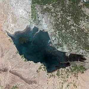 Lake Manchar - Image: Manchar SPOT 1299