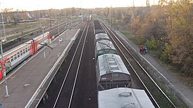 Manihino-1 railway station (view from bridge to both platforms).JPG