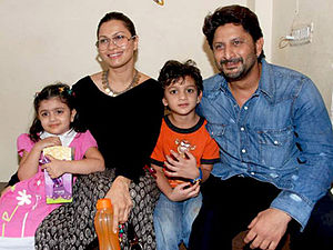 Arshad Warsi - Warsi with wife Maria Goretti and children in 2010