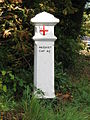 Marker post, Littleworth Road - geograph.org.uk - 1038382.jpg
