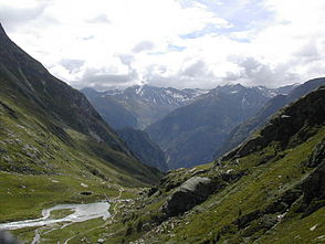 View out of the valley to the Lasörling group