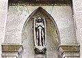 Mausoleum Nahrhaft mit Erzengel Michael über dem Eingangsportal, Nordfriedhof Düsseldorf.jpg