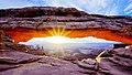 Mesa Arch (15747661291).jpg