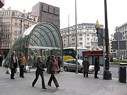 Metro bilbao moyua.jpg