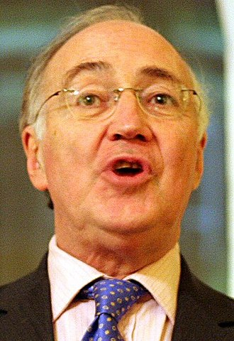 United Kingdom general election, 2005 - Image: Michael Howard 1099 cropped
