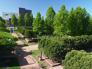 Minneapolis Sculpture Garden - Image: Minneapolis Sculpture Garden 02