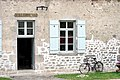 Montrol-Senard-facade-ecole.jpg