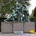 Monument Honoring Czech Volunteers Fighting in France - panoramio.jpg