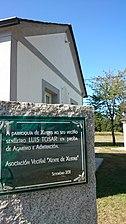 Monumento dedicado al actor Luis Tosar por los vecinos de su parroquia natal de Xustás, Terra Chá.jpg