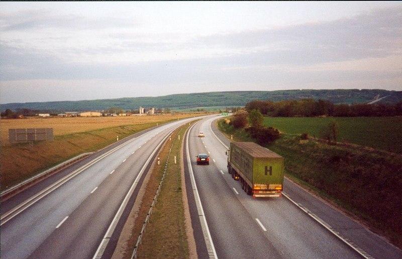 File:Motorvägen som går förbi Skottorp 1996.jpg