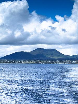 Mount Tauhara - Mount Tauhara seen from Lake Taupo