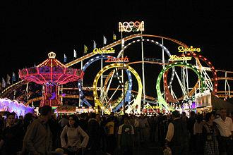 Olympia Looping - Image: Muenchen Oktoberfest bjs 2005 02