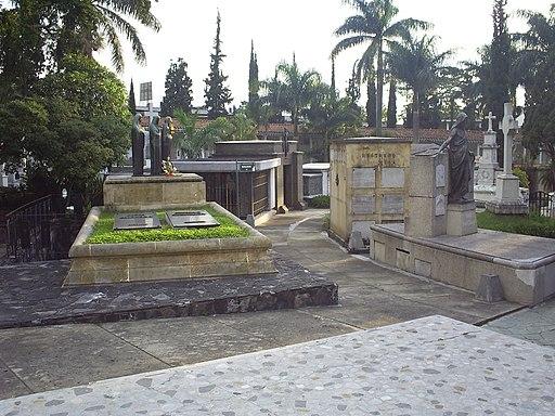 Museo Cementerio San Pedro(70)-Medellin