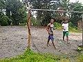 Nativos jugando fútbol.jpg