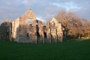 Netley Abbey - Facade of the reredorter, with the windows of the Tudor long gallery on the left