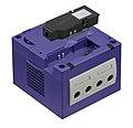 Nintendo-GameCube-Console-wBroadband.jpg