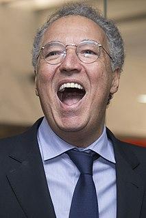 Nizan Guanaes Brazilian advertising executive (born 1958)