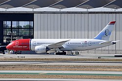 Norwegian Long Haul, Boeing 787-8 Dreamliner, EI-LNB - LAX (22968938812).jpg