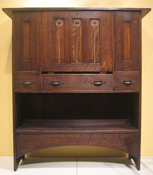 Harvey Ellis - Craftsman oak desk, c.1904