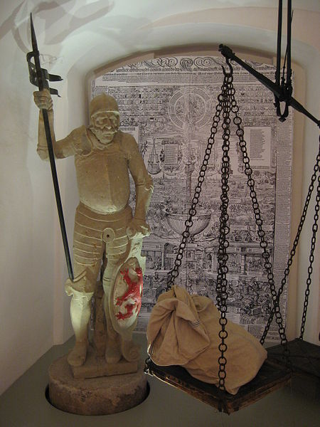 File:Oberhausmuseum Brunnenfigur.jpg