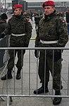 Odsłonięcie pomnika Kaczyńskiego - patrol żandarmerii.jpg