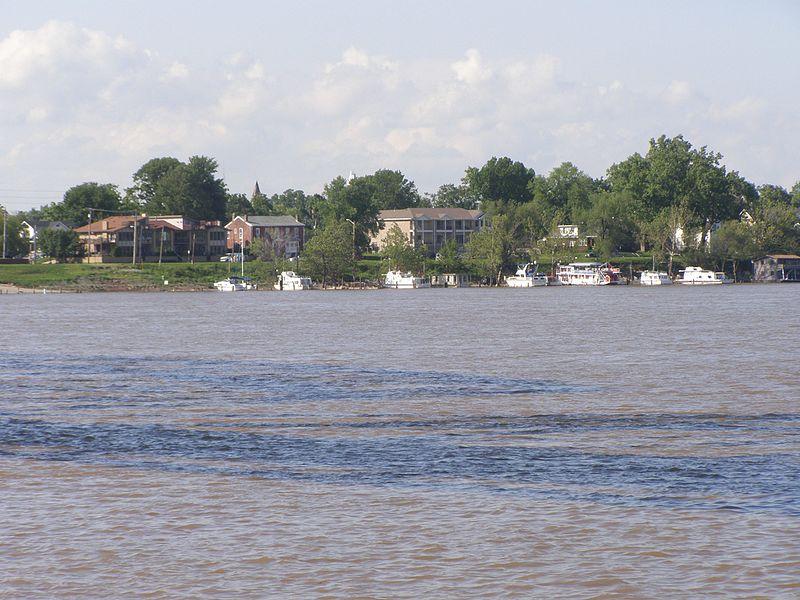 File:Ohio River P5240319.jpg