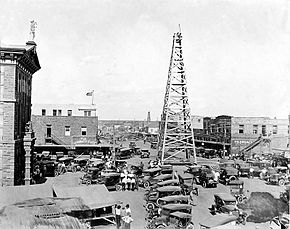 Oil Rig, Main Street, Breckinridge, Texas, 1920.JPG