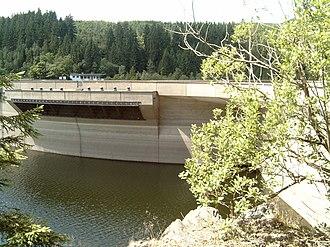Oker Dam - Image: Okertalsperre Hauptstaumauer U Eberlaeufe